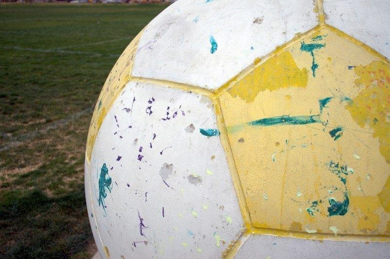 El fútbol, la televisión y ganas de perder dinero
